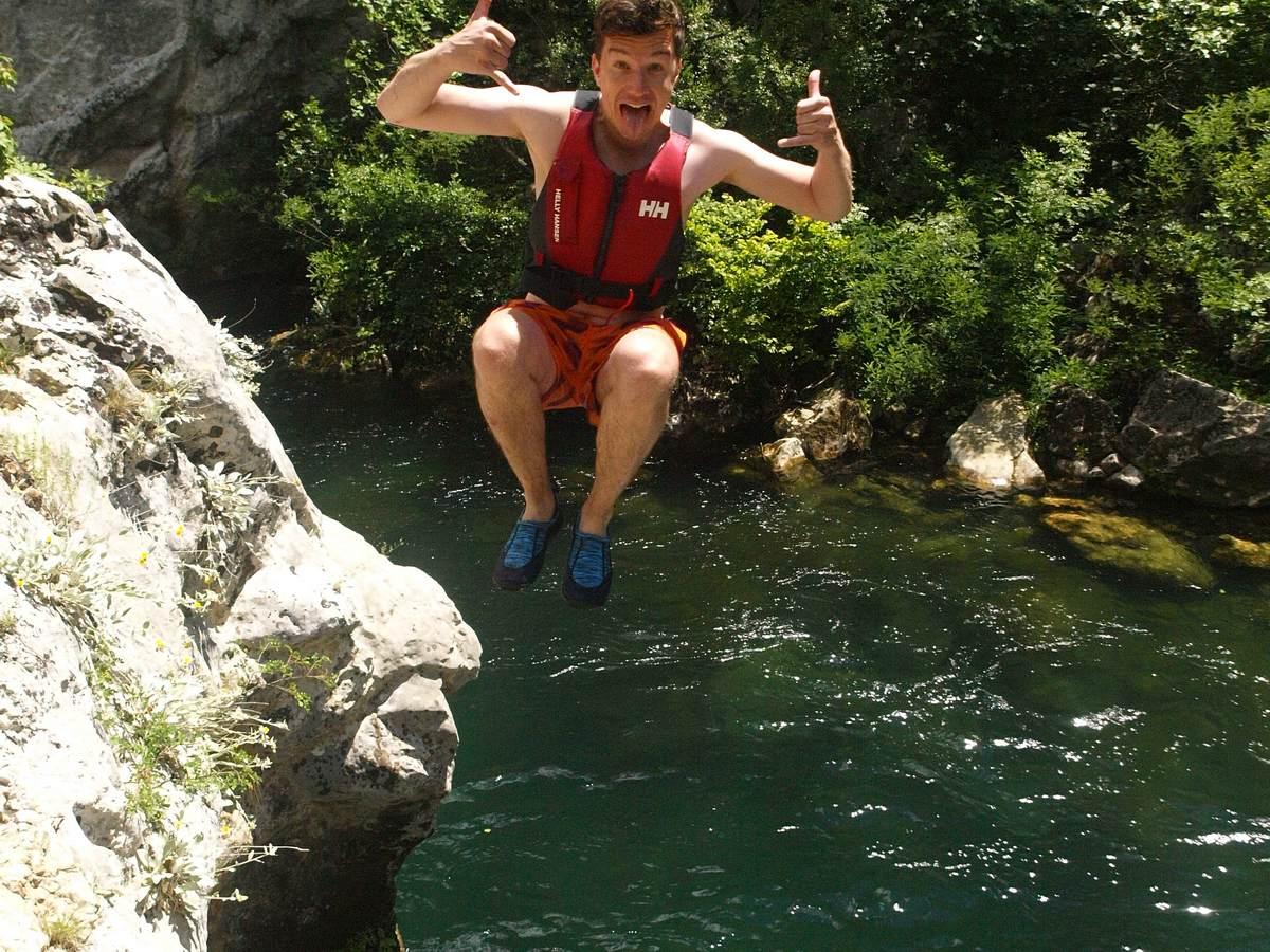 David cliff jumping Cetina