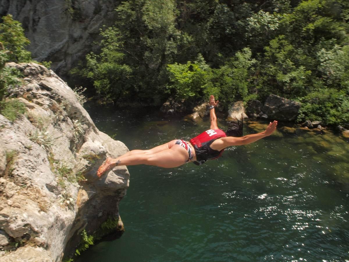 rafting Cetina jumping
